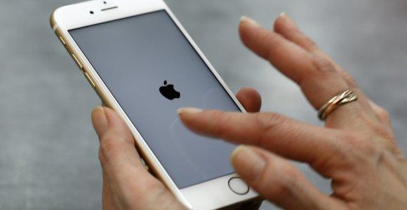 """Dėl nepataisomos klaidos """"Error 53"""" """"Apple"""" gali būti paduota į teismą"""