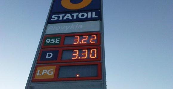 Dėl aukštų degalų kainų kalti mažmenininkai