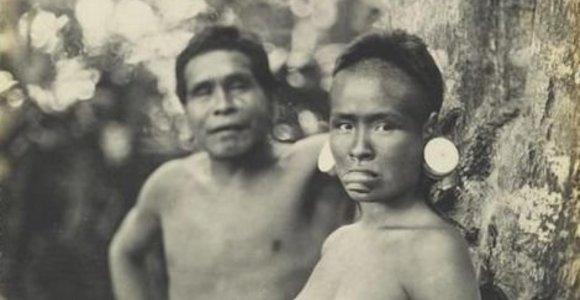 """Brazilija teisis su """"Facebook"""" dėl 1909 metų nuotraukos su indėne nuoga krūtine paviešinimo"""