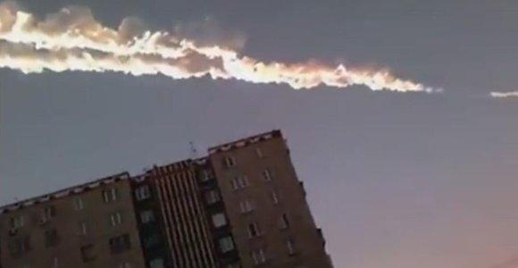 Rusijoje nukritęs meteoritas suteikė peno pasaulio pabaigos pranašams