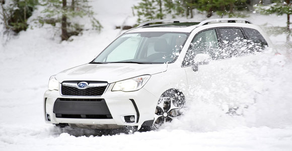 """Kostiumuoto miškininko """"Subaru Forester"""" testas"""