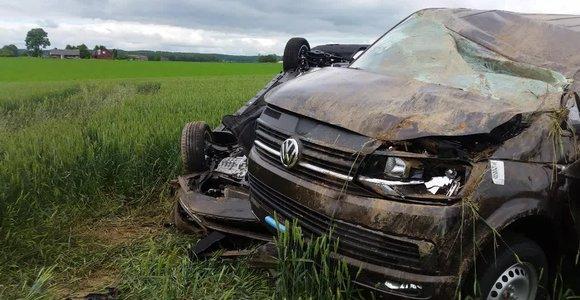 """Automobilvežio ir """"VW Golf"""" avarija, kurios metu žuvo žmogus"""