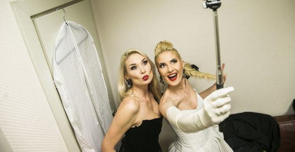 Seserys Natalija Bunkė ir Kristina Ivanova pirmą kartą uždainavo duetu: žiūrėkite video