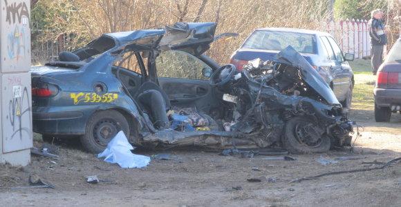 Girtas vairuotojas Utenoje pražudė tris žmones