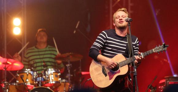 Muzikantai kvietė į Vingio parką palydėti vasarą, tačiau jaunimas rinkosi vangiai
