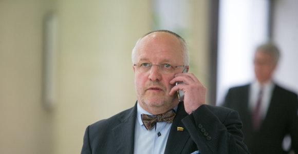 Juozas Olekas: Susisiekimo ministerija jau rado, kas iškels nuskendusį lėktuvą An-2