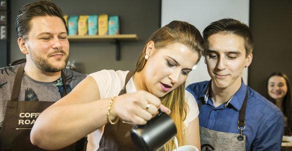 Retai viešumoje matoma Erika Vitulskienė mokėsi piešimo ant kavos paslapčių