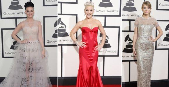 """""""Grammy"""" apdovanojimų suknelės: pataikė į dešimtuką ar prašovė pro šalį?"""