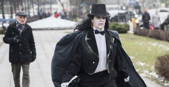 Atgiję literatūros personažai Vilniaus gatvėse ieškojo savo kūrėjų