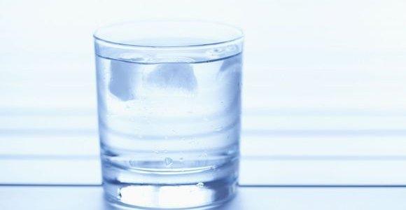 Kaip išsirinkti aukštos kokybės vandenį prekybos vietose?
