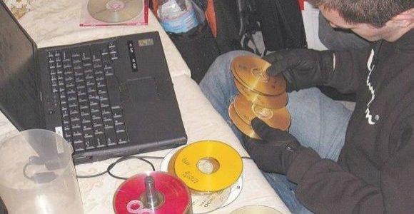 Panevėžio policija pričiupo 19-metį vaikų pornografijos mėgėją