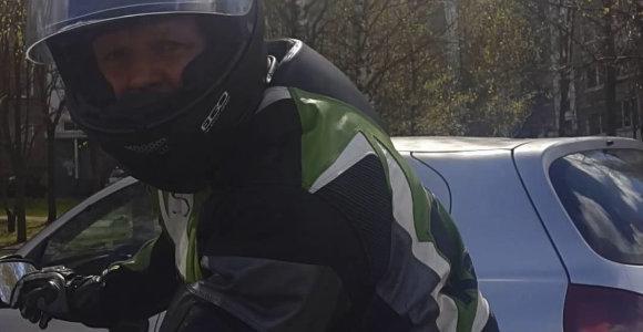 Vilniuje policija paskelbė senolę sužalojusio ir sprukusio motociklininko paiešką