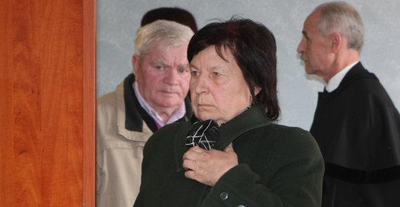 Pedofilijos skandalą įpūtę Kedžiai patys stojo prieš teismą dėl anūkės tvirkinimo