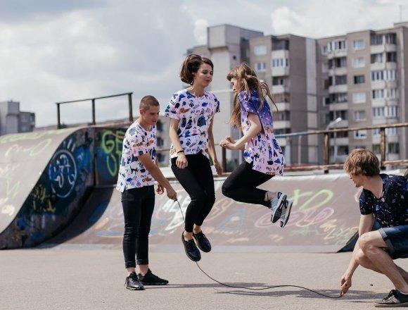 Marškinėlių kolekciją įkvėpė Vilniaus miegamieji rajonai