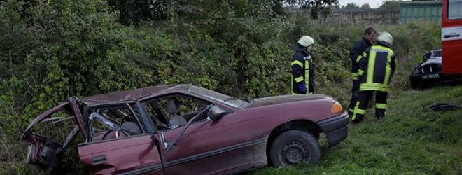15min.lt skaitytojo Mariaus G. nuotr./Per girto vairuotojo sukeltą avariją Kėdainių r. žuvo šiuo automobiliu važiavę sutuoktiniai, maža mergaitė atsidūrė reanimacijoje