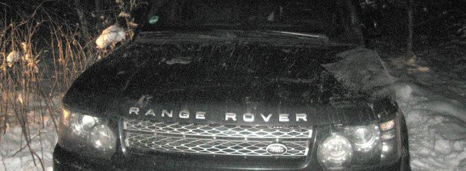 """18-metis Vokietijoje vogtu """"Range Rover Sport"""" nuo pareigūnų spruko laukais"""