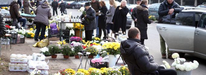 Vėlinių žvakių prekeiviai: pardavimų sezonas prasideda vasaros pabaigoje