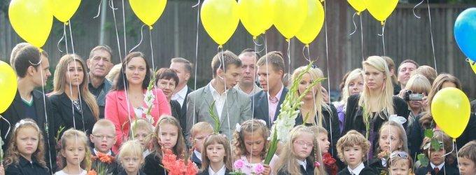 Dalyje Vilniaus mokyklų pamokos prasidės 9 valandą, bet tėvai tuo vis dar piktinasi