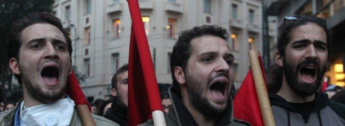 Graikiją paralyžiavo didelis streikas, atšaukiami vidaus ir tarptautiniai skrydžiai