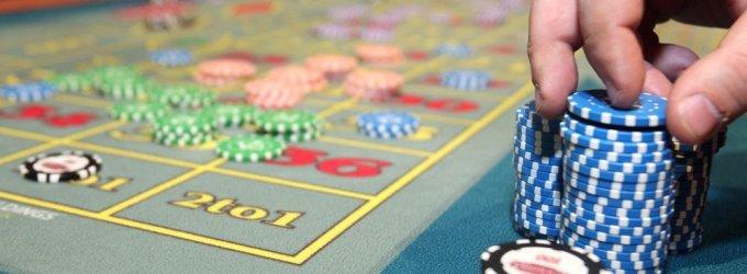 Šiaulietis tikrą vyrų draugystę iškeitė į azartinius žaidimus