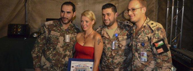"""Kariams Afganistane koncertavusi Anžela Adamovič: """"Man labai patiko žėrinčios jų akys"""""""