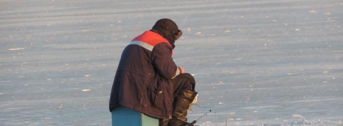 Meteorologai įspėja: dėl šiltų orų susilpnėjo vandens telkinių ledas