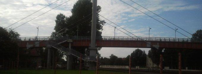 Dėl pėsčiųjų tilto priežiūros Klaipėdos savivaldybė ir geležinkelininkai aiškinsis teisme