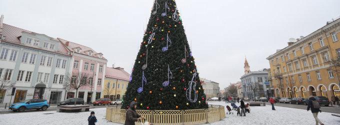 Kalėdos Vilniuje: trys eglės, traukinukas, du kalėdiniai miesteliai su karštu vynu ir 3D pasaka