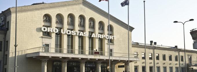 Latviui atsirūgo juokelis Vilniaus oro uoste apie sprogmenų pilną žmonos kepurę