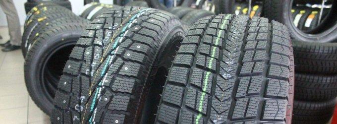 """Dvi bendrovės teismuose aiškinasi, kas teisėtai prekiauja """"Dunlop"""" padangomis"""