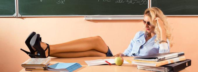 Vaškuose į pamoką įsiveržę paaugliai reikalavo cigarečių ir iškeikė mokytoją