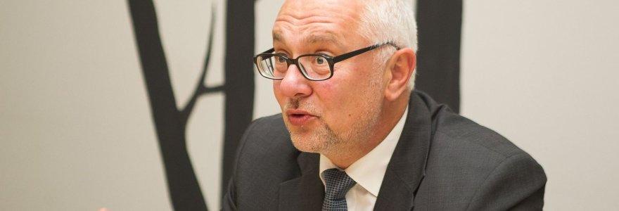 """""""Darbiečiai"""" atšaukė D.Pavalkį iš švietimo ir mokslo ministro posto, vietą siūlo V.Gedvilui"""