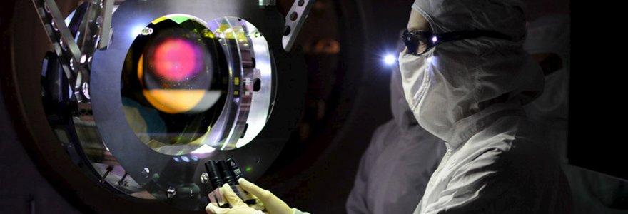Po šimtmetį trukusių paieškų mokslininkai aptiko gravitacines bangas