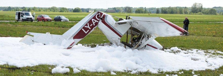 Biržuose nukritusio lėktuvo pilotai užminė mįslę tyrėjams: kas privertė nukreipti vairalazdę žemyn?
