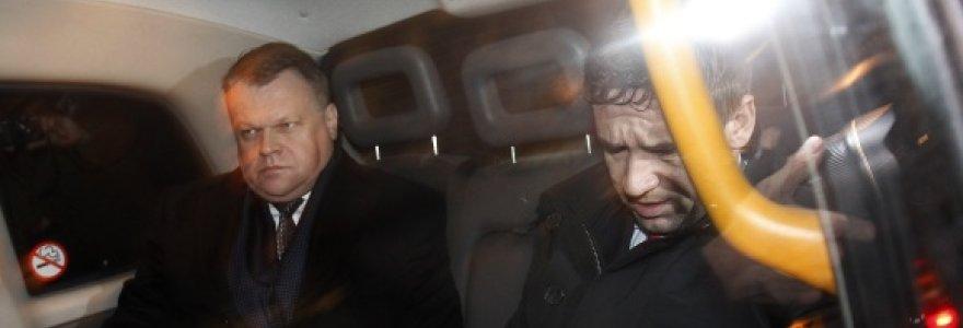 """Britų teisėsauga: dingo """"Snoro"""" savininkai V.Antonovas ir R.Baranauskas, kurie turi būti išduoti Lietuvai"""