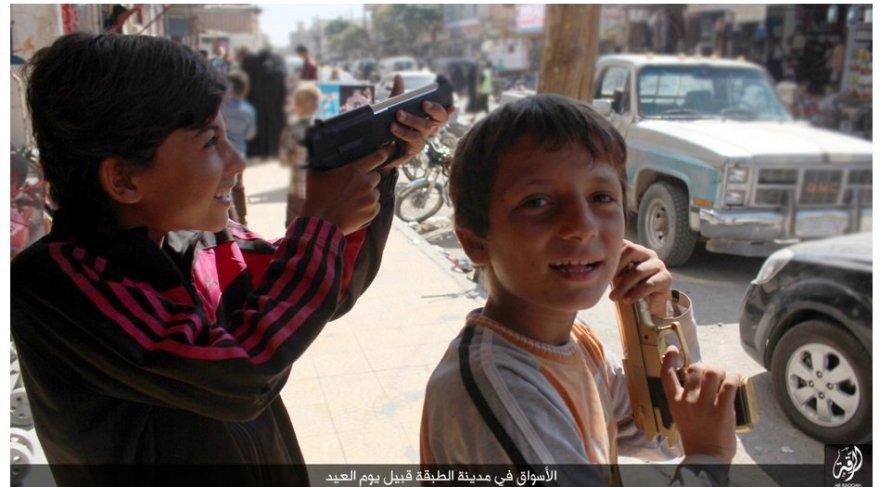 """""""Islamo valstybės"""" propagandinės nuotraukos"""