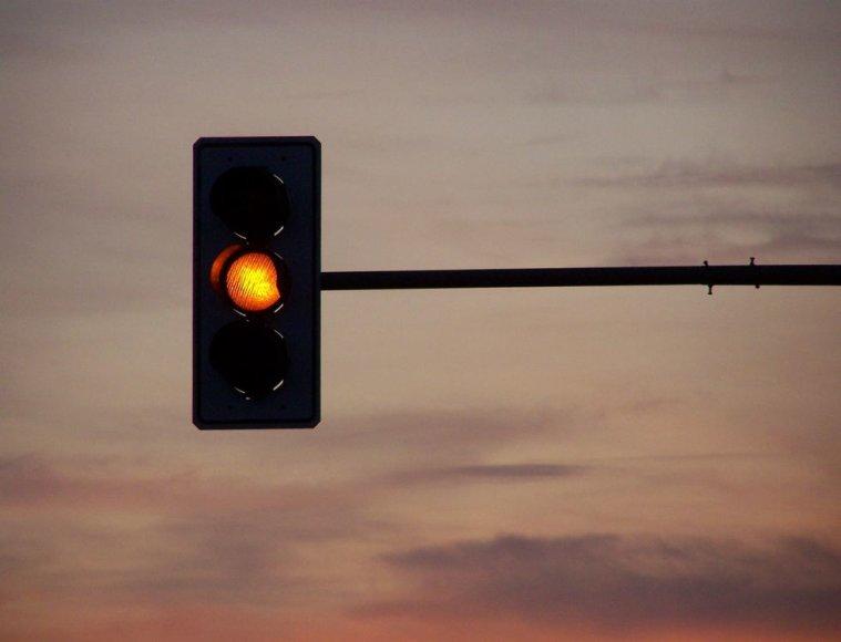 Geltonas šviesoforo signalas