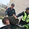 Netoli Kauno studentų miestelio nufilmuotas be šūvių neapsiėjęs slaptas įtariamojo sulaikymas