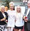 Motinos dienos proga Natalija Bunkė tėvus pradžiugino nekasdiene dovana